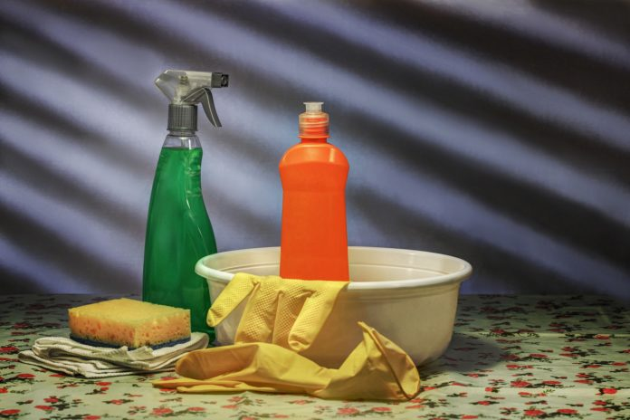 Cases of poisoning by household items